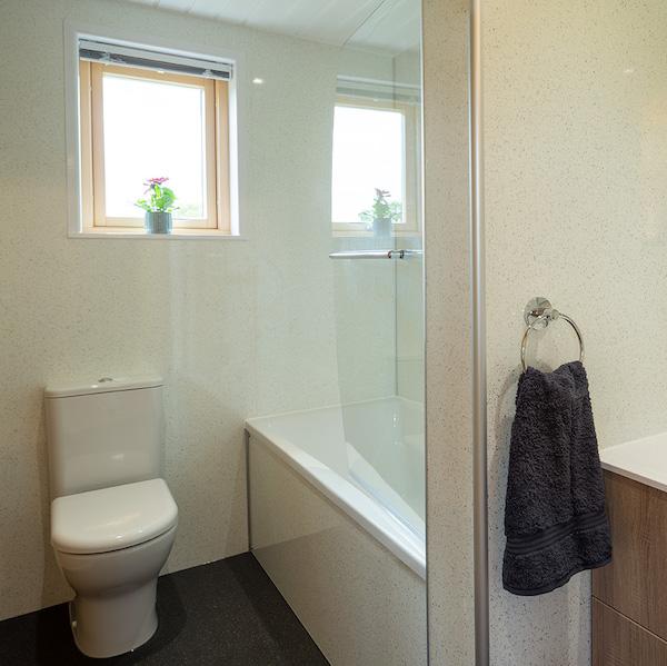 bathroom_web-600x600-loo